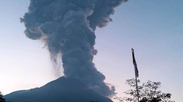 Gunung Merapi Erupsi: Bandara Adi Soemarmo Tutup Hingga Kerja Keras Cleaning Service Hotel