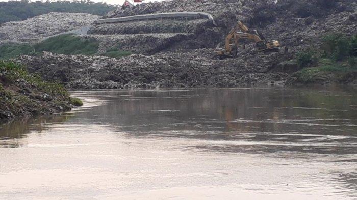 Sejak 2019, TPA Cipeucang Sudah Dua Kali Longsor dan Cemari Sungai Cisadane
