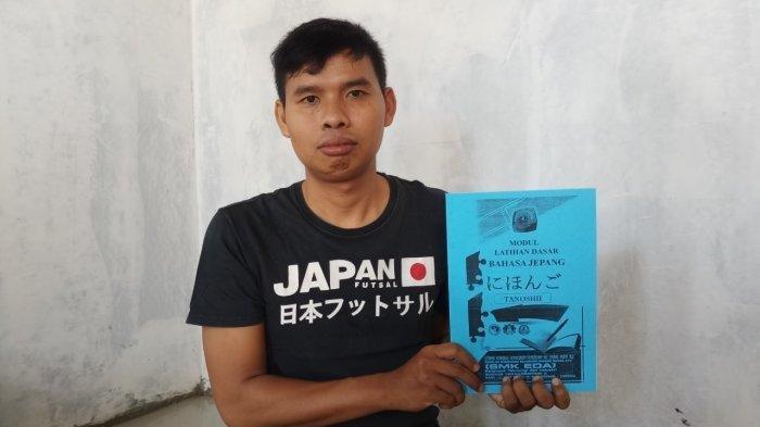 Perjuangan Guru Honorer Bertahan Hidup dengan Gaji Rp702 Ribu, Kini Nyambi Jualan Skincare