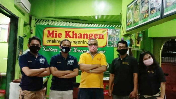 H. Markiyat pemilik Mie Ayam Khangen