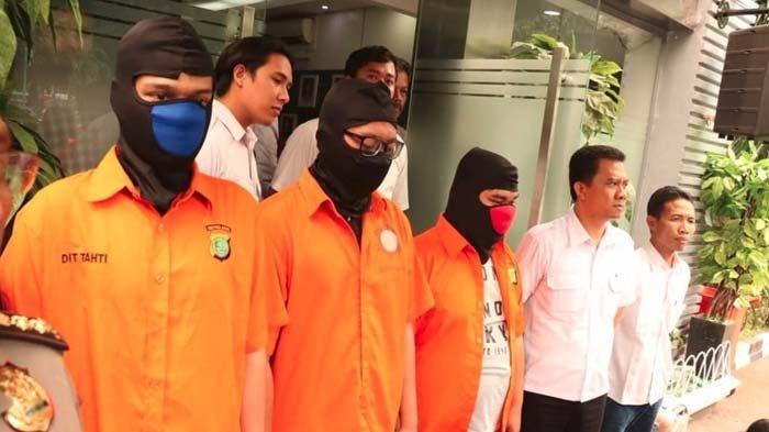 Orangtua Hacker Asal Surabaya Sempat Cerita Anaknya Sudah Bisa Cari Uang Sendiri