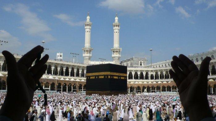 Kesedihan Tak Terbendung Calon Jemaah Haji Asal Bekasi, Khawatir Kesehatan atau Umur Tak Sampai