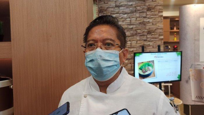 Vice President Indonesian Chef Association (Asosiasi Ahli Kuliner Indonesia) Handry Wahyu saat ditemui di Kelapa Gading, Jakarta Utara, Rabu (10/2/2021).
