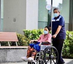 Sejumlah Keluarga, Kerabat, Kolega Hingga Menteri Era SBY Berkumpul di National University Hospital