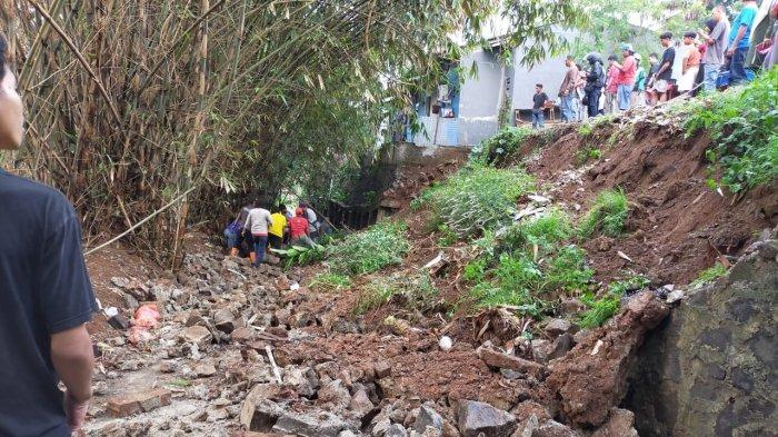 Tanah Bergetar Seperti Gempa Saat Longsor di Tangerang Selatan TewaskanSeorang Ibu