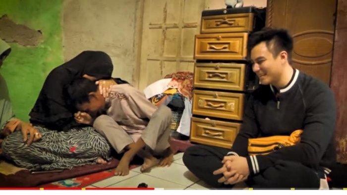 Kisah Pilu Ihza Dibully Sejak SD Karena Tumor di Wajahnya, Baim Wong Wujudkan Impian Umrah Sang Ibu