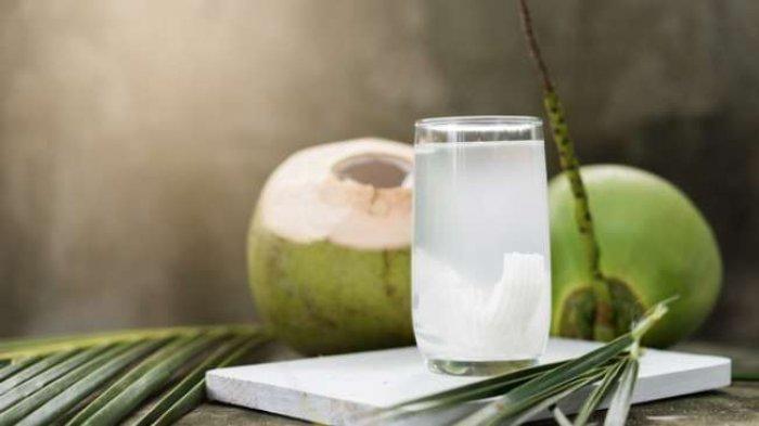 Jangan Sembarangan Minum Air Kelapa saat Buka Puasa, Bahaya untuk Orang dengan Kondisi Kesehatan Ini