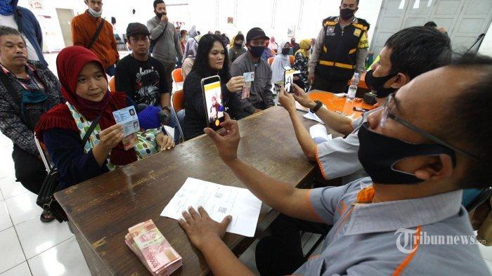 Pemprov DKI Jakarta Cairkan Bantuan Sosial Tunai Tahap 5 dan 6 Hari Ini