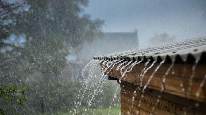 Jakarta Diguyur Hujan, Empat Pintu Air Siaga Dua dan 3 Ruas Jalan Tergenang