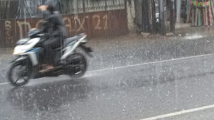 Prakiraan Cuaca di Jabodetabek, 1 Wilayah di Jakarta Bakal Diguyur Hujan Petir Jumat 9 April 2021