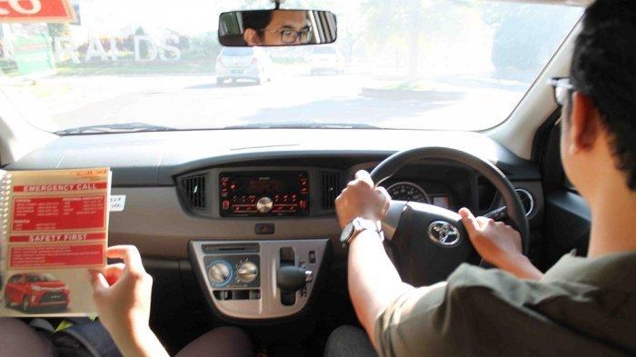 Larangan Mobil di Atas 10 Tahun Beroperasi, PDIP: Anies Suruh Masyarakat Beli Mobil Baru?