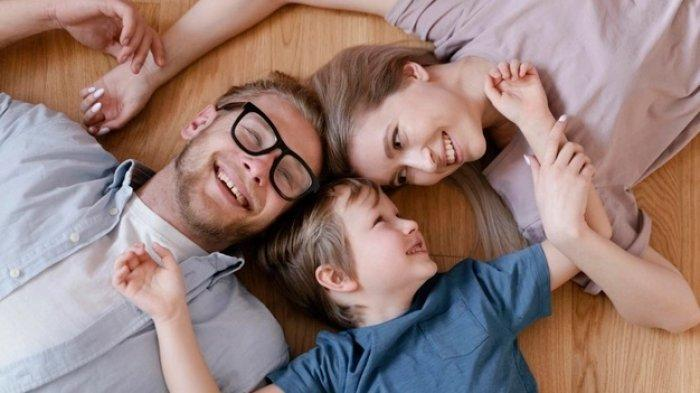 Tak Cuma Kewajiban Ibu Semata, Begini Peran Penting Ayah dalam Mengasuh Anak