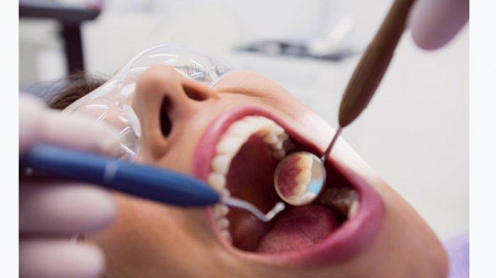 Ilustrasi pemeriksaan gigi