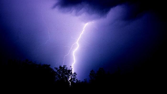 Prediksi Cuaca dari BMKG, Selasa 6 April 2021: Waspada Cuaca Ekstrem di Wilayah Ini