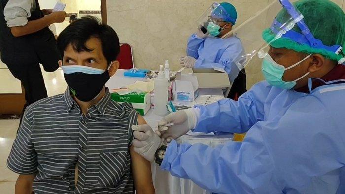 Tenaga Kesehatan Berhalangan, Vaksinasi Merdeka di Jakarta Timur Batal Hingga Ngaret Dua Jam