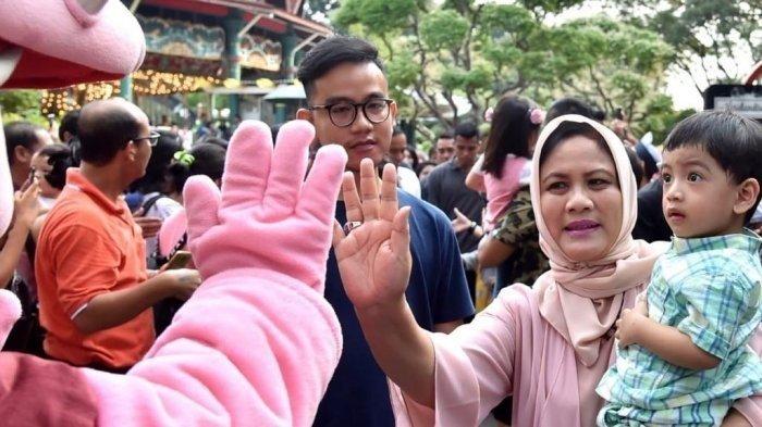 Intip Potret Jan Ethes Menangis Dipangkuan Iriana Jokowi