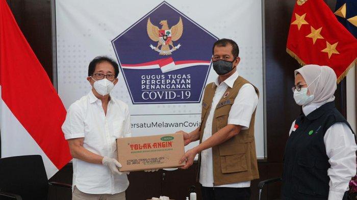 Lawan Covid-19, PT Sido Muncul Donasikan 75.000 Produk Tolak Angin Kepada BNPB