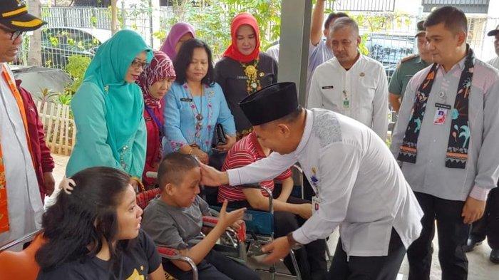 Pemkot Jakarta Pusat Berikan 225 Kartu Penyandang Disabilitas di RPTRA Pandawa: Isinya Rp 300 Ribu