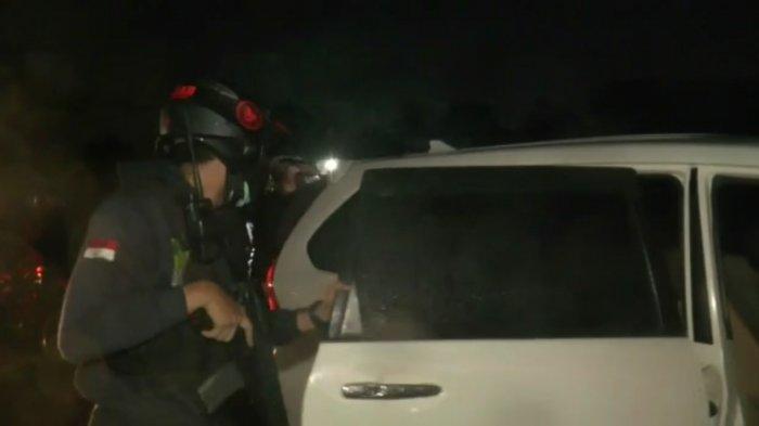 Aksi Dramatis Tim Jaguar Polres Depok Amankan Mobil Rental, Pelaku Kabur ke Kebun Kosong di Sawangan