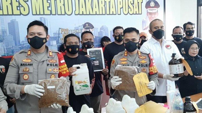 Polres Metro Jakarta Pusat Gerebek Pabrik Rumahan Pembuatan Ganja Sintetis