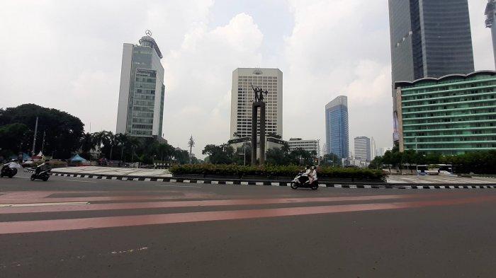 Arus Lalu Lintas di Jakarta Puaat Lengang pada Hari Pertama Lebaran 2021