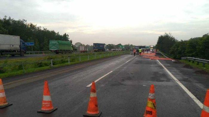Tol Cipali Ambles dan Pantura Banjir Buat Arus Lalu Lintas Macet dan Logistik Tersendat