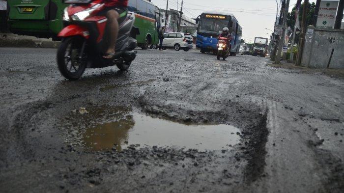 Drainase Buruk, Jalan Protokol di Kota Bekasi Kerap Tergenang dan Berlubang