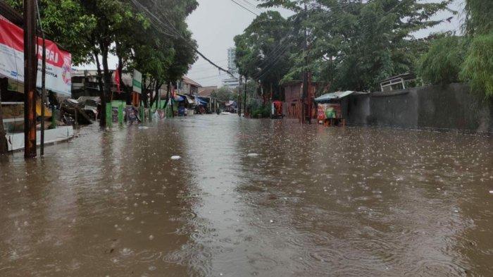 Diguyur Hujan Deras, Kawasan Kemang Utara IX Jakarta Selatan Banjir 70 Cm, Akses Jalan Lumpuh