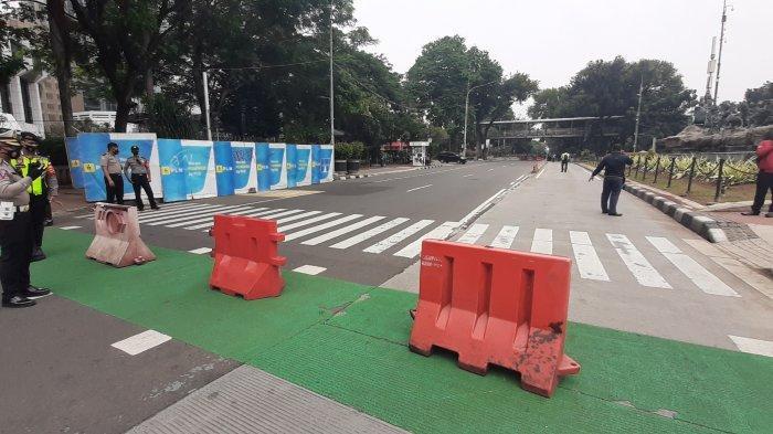 Jalan Medan Merdeka Barat Jakarta Pusat Ditutup karena Ada Demo Buruh