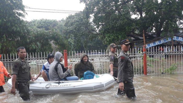 Empat RW di Kelurahan Makasar Terendam Banjir
