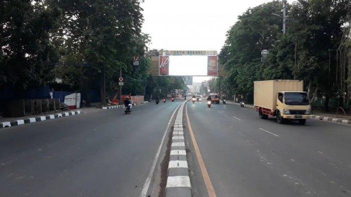 BERITA FOTO: Hari Pertama PSBB, Ruas Jalan di Bekasi Menuju Jakarta Lengang - jalanan-di-bekasi-sepi.jpg