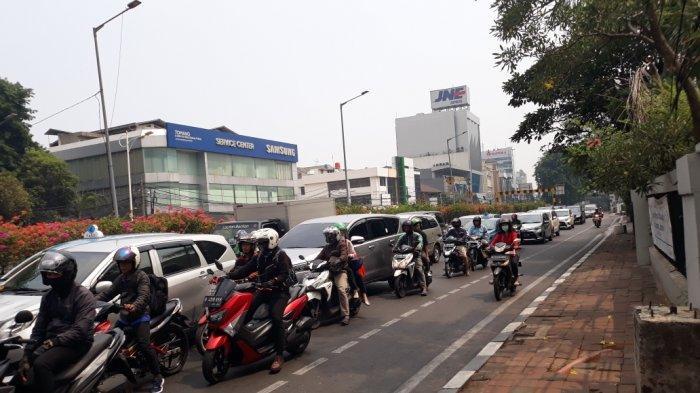 Satlantas Jakbar Tak Mau Penindakan Pelanggar Jalur Sepeda Berbuntut Kemacetan di Istana Negara