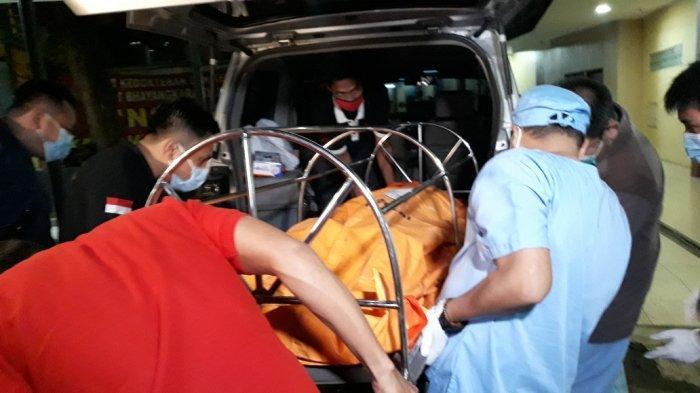 Jenazah Cai Changpan Tiba di Rumah Sakit Polri Kramat Jati Jakarta Timur