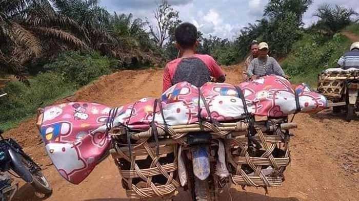 VIRAL Jenazah Diangkut Pakai Sepeda Ontel ke Pemakam: Ini Penjelasan Kepala Desa