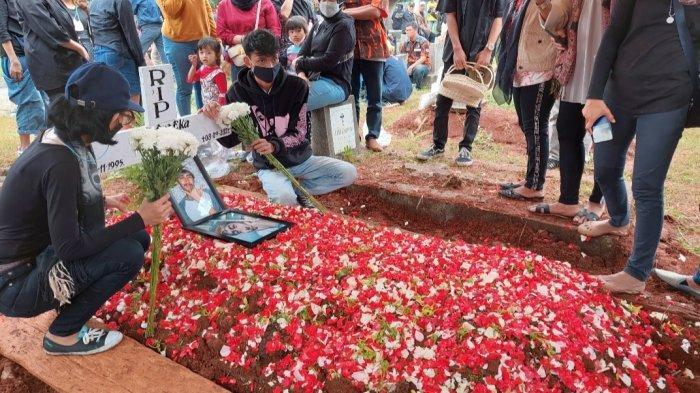 Jenazah Petra Eka, korban kebakaran Lapas Kelas 1 Tangerang dimakamkan hari ini, Selasa (14/9/2021).
