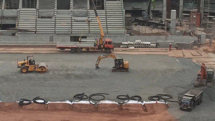 Foto-foto terkini dari lokasi pembangunan Jakarta International Stadium, Tanjung Priok, Jakarta Utara. Foto diambil pada Selasa (24/8/2021) kemarin.