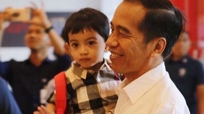 Temani Jokowi Makan Siang Bersama Jurnalis, Cara Salaman Jan Ethes  Ramai Diperbincangkan