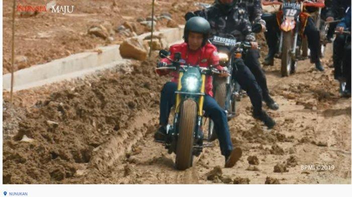 Tinjau Jalur Perbatasan Menggunakan Motor, Jokowi Sempat Alami Hal Ini hingga Hampir Jatuh di Lumpur