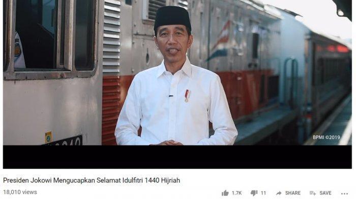 Dikerubungi Pemudik saat Kunjungi Stasiun Pasar Senen, Jokowi: Ya Hati-Hati Semuanya