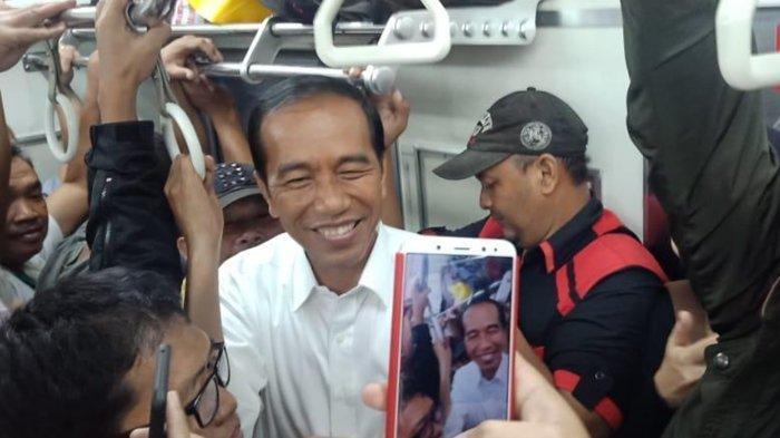 Jokowi Berdesakan Naik Commuter Line, Budiman Sudjatmiko Singgung Pemimpin yang Mutunya Mentok