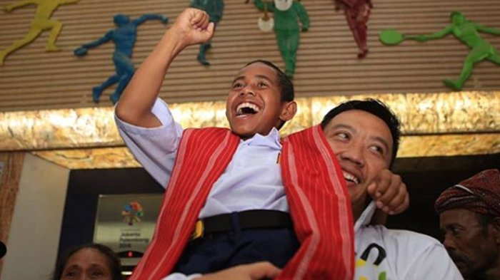 Dijadwalkan Bertemu Hari Ini, Joni Si Bocah Pemanjat Tiang Ungkap Permintaannya Kepada Jokowi