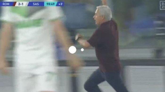 Jose Mourinho lari ngebut ikut selebrasi, AS Roma ke posisi 1 klasemen Liga Italia Serie A karena gol menit 91.