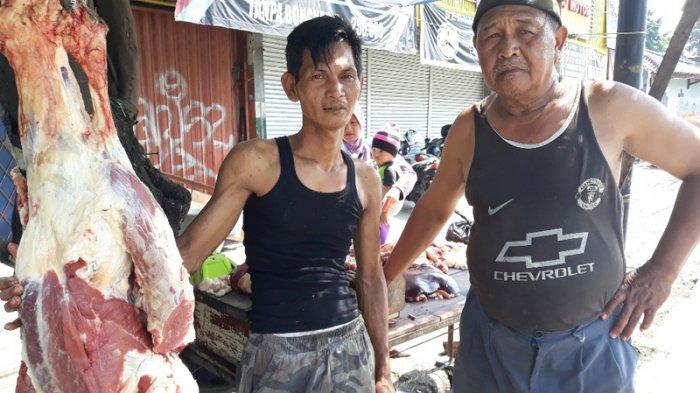 Saban Menjelang Lebaran, Warga Pancoran Ini Jual Daging untuk Warga Sekitar
