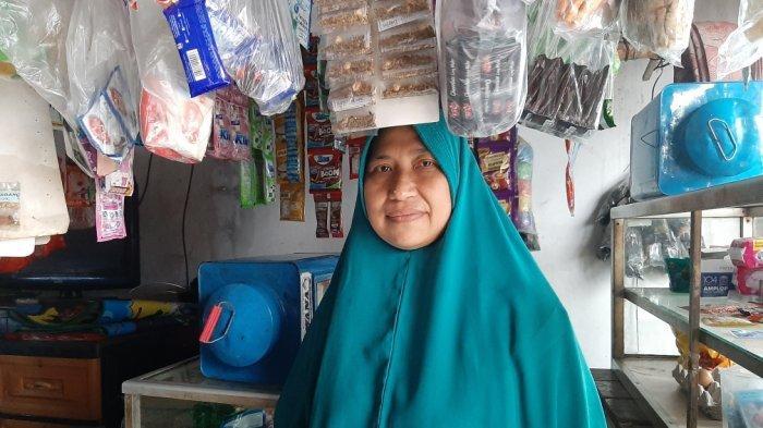 Cerita Jubaedah Bertukar Tugas Dengan Suaminya yang Sakit, Mata Menjulur Keluar Tanpa Sebab