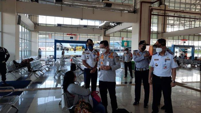 Kepala Dinas Perhubungan DKI Jakarta, Syafrin Liputo tinjau Terminal Terpadu Pulogebang, Cakung, Jakarta Timur, Selasa (4/5/2021).