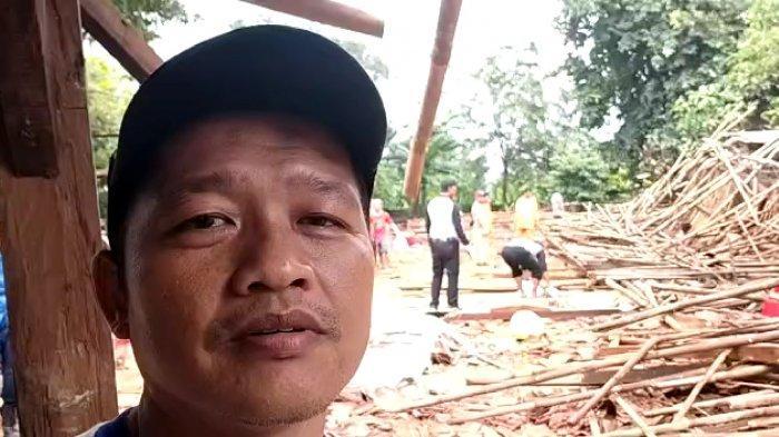 Kandang Peternakan Ayam Roboh Diterjang Puting Beliung di Depok, 1.000 Ekor Mati
