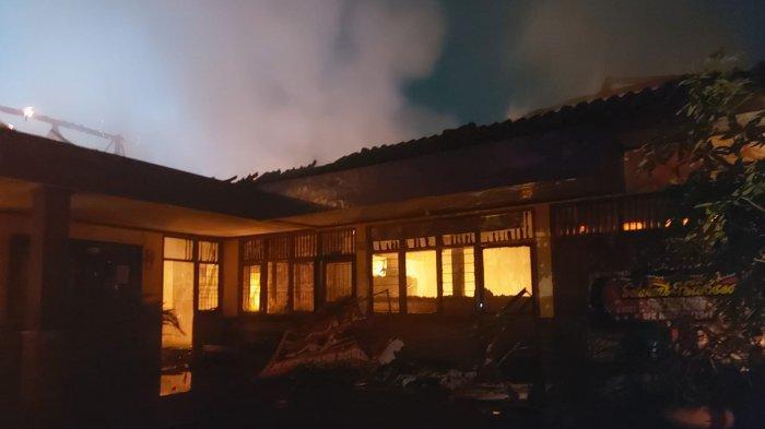 Kantor Desa di Kabupaten Tangerang Dilalap Si Jago Merah, Bermula dari Timbul Asap dan Suara Ledakan