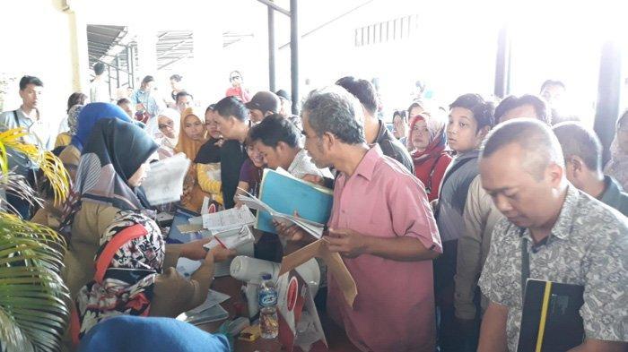 PPDB SMA, Orang Tua Murid Serbu Kantor Disdukcapil Legalisir KK