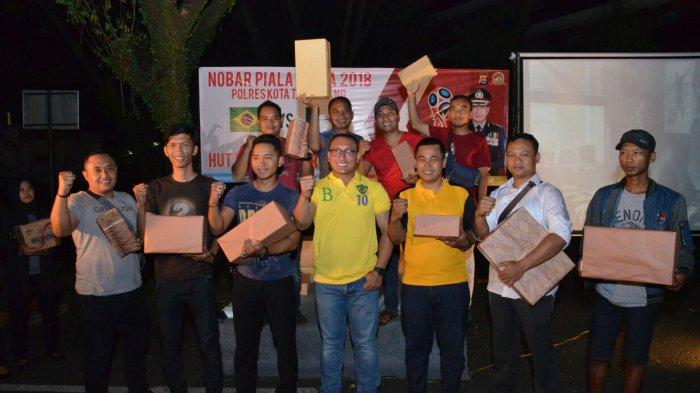 Kapolres Kota Tangerang Nobar Kemenangan Telak Brasil Atas Meksiko
