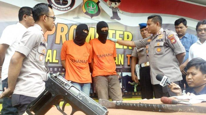 Polres Depok Ringkus Dua Pencuri Spesialis Rumah Kosong, Kaki Keduanya Tertembak